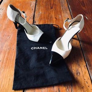 Chanel 2 tone Black white classic strappy heels 6